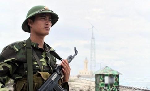 Phân tích vẻ đẹp chủ nghĩa anh hùng cách mạng qua nhân vật Việt trong tác phẩm Những đứa con trong gia đình